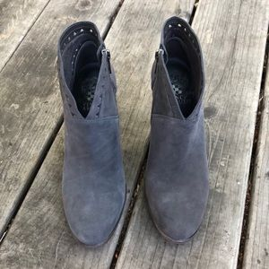 Vince Camuto ankle booties - Excellent Condition!